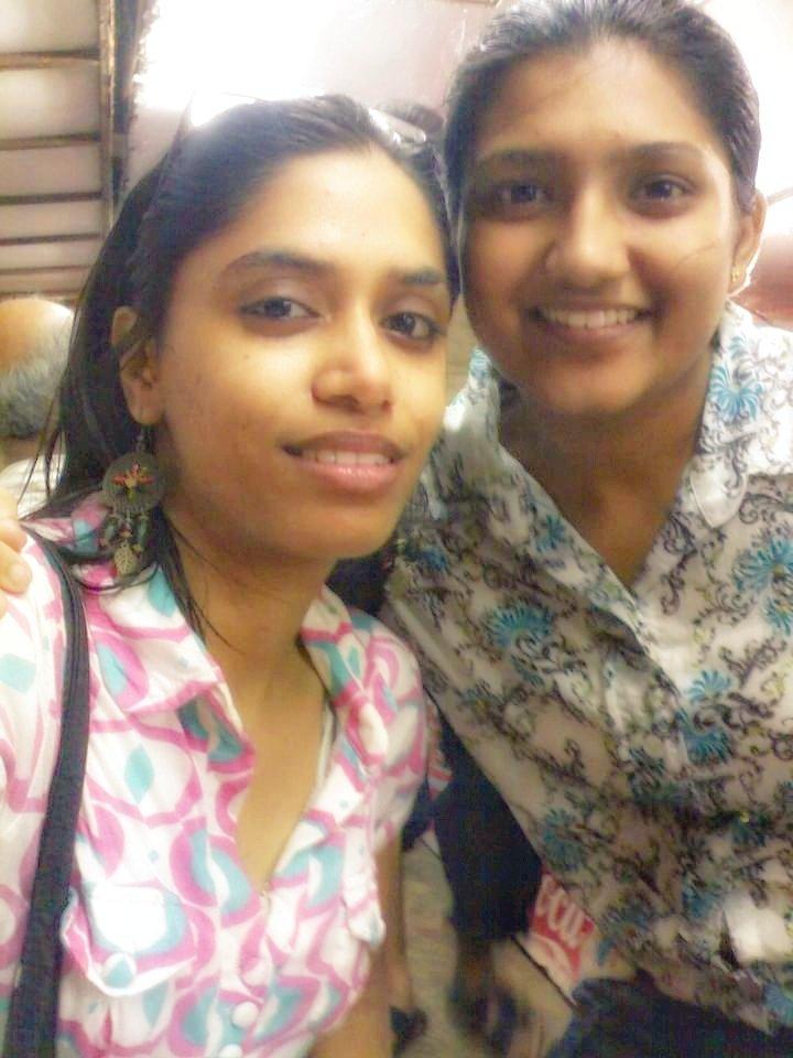 मेरी जान ❤ बचपन की दोस्त 😍  (One from Mumbai)  #childhood #BFFSForLife #precious #love #bestie #friendship #PhotoOfTheDay