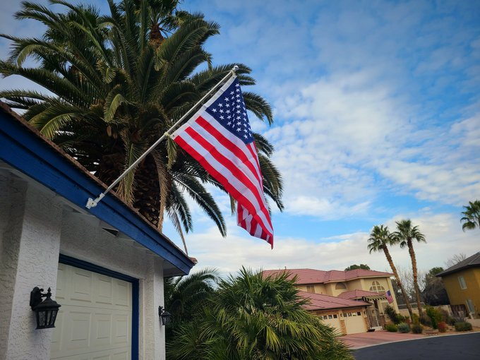 2 pic. Put up our new American flag with joy in my heart. https://t.co/mDUMIgp70m