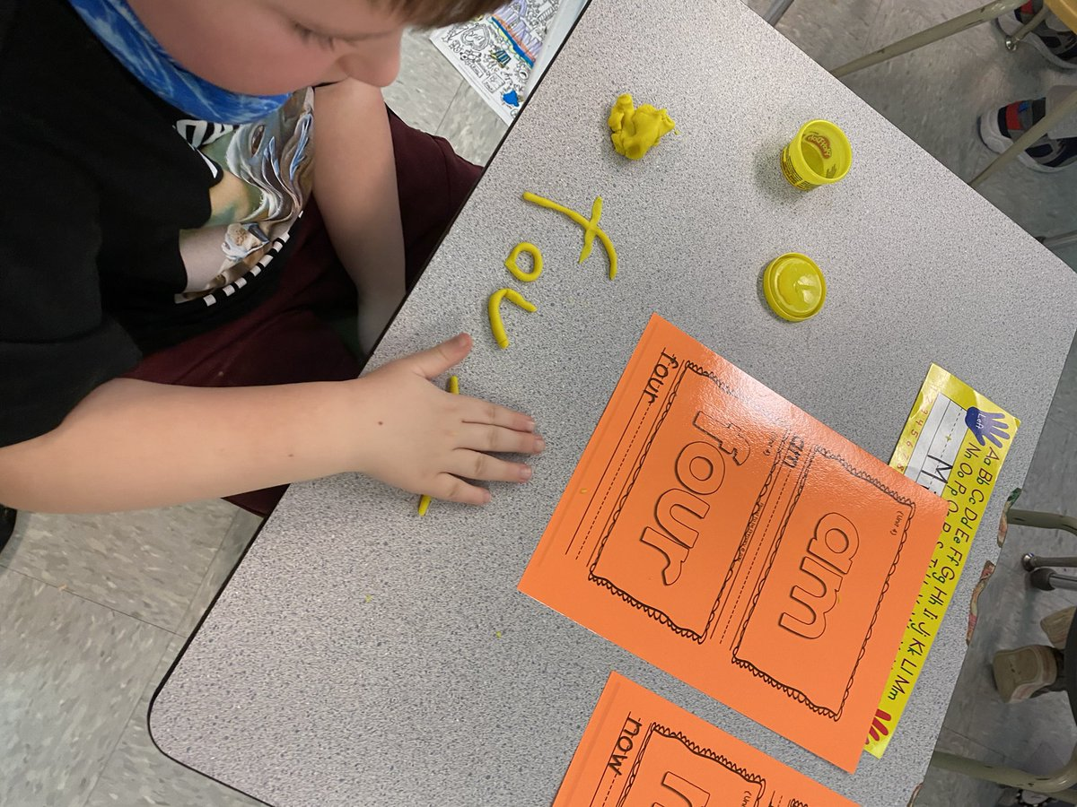 Play-doh sight words this morning in grade 1 #dolch #handson #literacy @FMPSD @BeaconhillFMPSD @FMPSDLiteracy