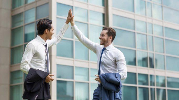 🤔¿QUÉ ES EL COACHING EJECUTIVO? Un proceso positivo y constructivo, tanto para el ejecutivo como para la empresa  ¡No te pierdas nuestro post! 👇 #coaching #liderazgo