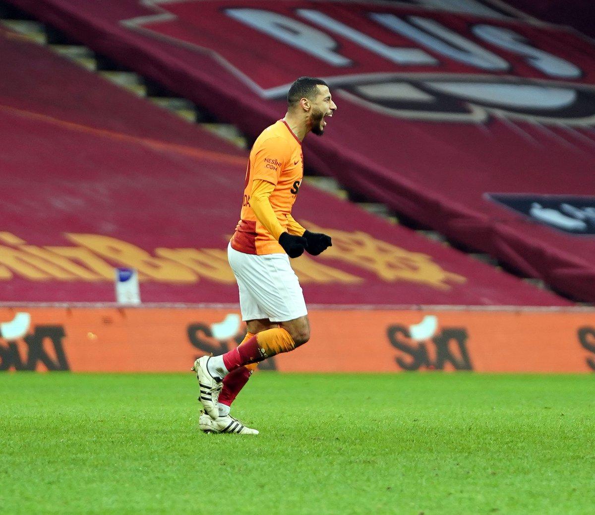 Galatasaray'ın Faslı futbolcusu Younes Belhanda, Denizlispor karşısında kaydettiği gol ile bu sezon Süper Lig'deki 6. golünü attı. Belhanda'nın Ziraat Türkiye Kupası ve UEFA Avrupa Ligi elemelerinden de 1'er golü bulunuyor. https://t.co/jZm6pUfH1B
