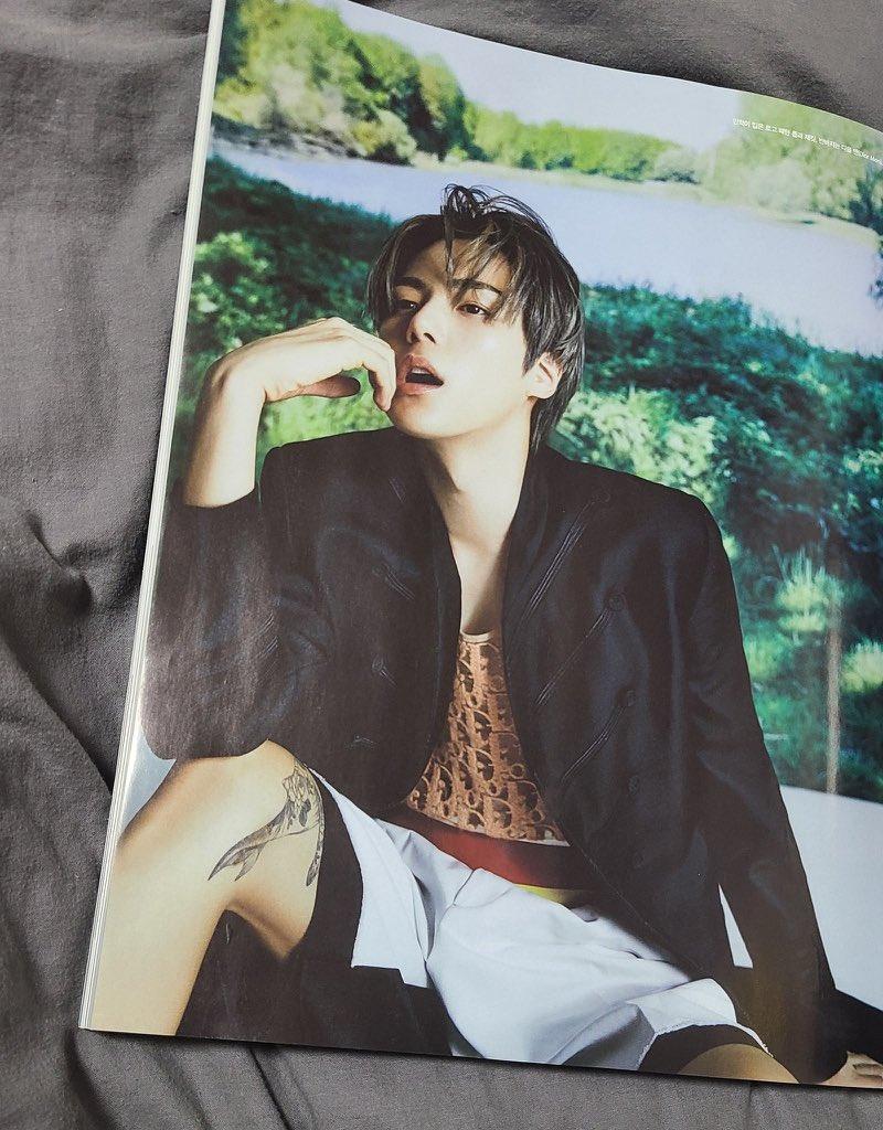 Hablemos de lo hermoso que se ve el tatuaje de Minmin , este hombre es arte  @OfficialMonstaX @official__wonho