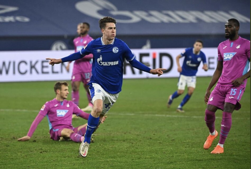 Matthew Hoppe has scored again - that's 5 goals in his last 3 games for Schalke. Nailed on for his first #USMNT at the next international break. If Schalke can turn their season around, he'll be the reason why.