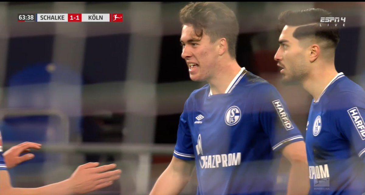 Matthew Hoppe está tocado por una varita. El estadounidense 🇺🇸 de 19 años acaba de marcar su 5º gol con el Schalke 04, todos en los últimos 3 partidos. El #S04 acaba de fichar a Huntelaar para la delantera, pero así va a ser imposible que le quite el puesto a Hoppe. ⚽️🔥 #USMNT