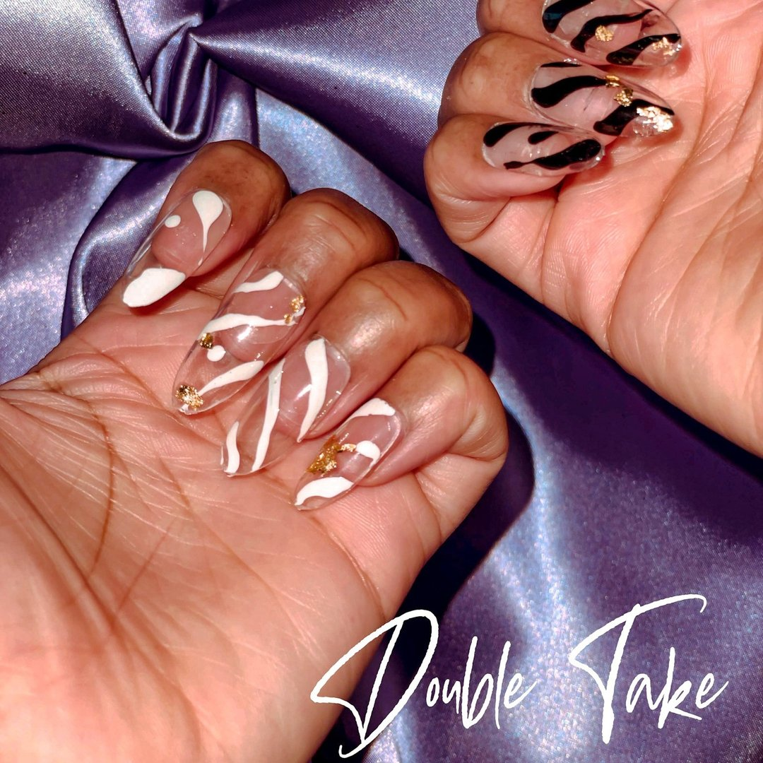 Let them talk to both hands 💅🏾 Shop our Double Take set @  ✨✨✨  ✨ ✨ ✨  #savagesirenshop #pressonnails #pressonnailsforsale #dmvnails #novanails #vanails #blackownedbusiness #blackgirlmagic