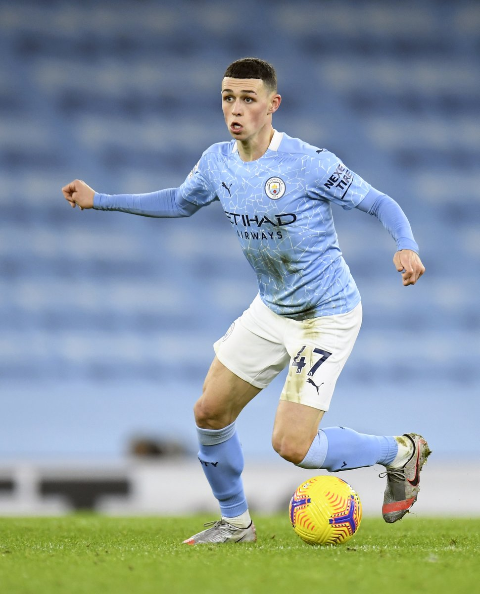 Phil Foden in the first half vs. Aston Villa:  ◉ Most touches in opp. box (13) ◉ Most shots (4) ◎ =Most chances created (3) ◎ =Most take-ons completed (3)  Camping just outside the Aston Villa box. ⛺️ https://t.co/rNu3akoW9k