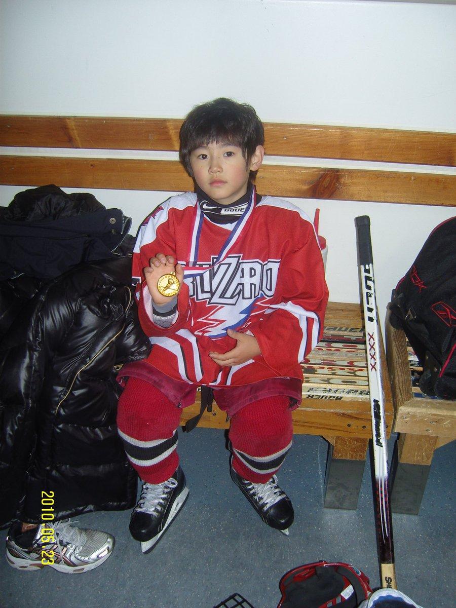 """[OFICIAL•210119] actualización de #Sunghoon en el twitter oficial de #ENHYPEN  """"Sunghoon del 2010🥇 Recordando mis días de infancia hehe""""  Cr.@ENHYPEN_members  [Sunghoon chile]🐧  #ENHYPEN #ENHYPENCHILE #엔하이픈 #SUNGHOON #박성훈 #ENGENE"""