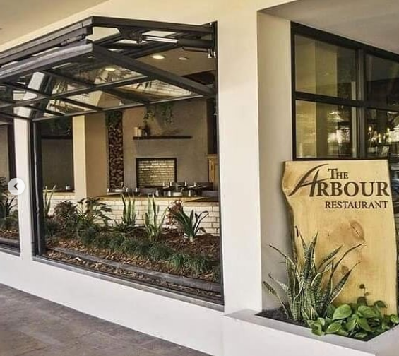 The Arbour Restaurant recently celebrated their 3rd Anniversary & they look forward to serving the Pasadena community for years to come! Take-out & delivery info @thearbourpasadena   #pasadena #southlakeavenue #supportlocal #buylocal #shoplocal #dinelocal