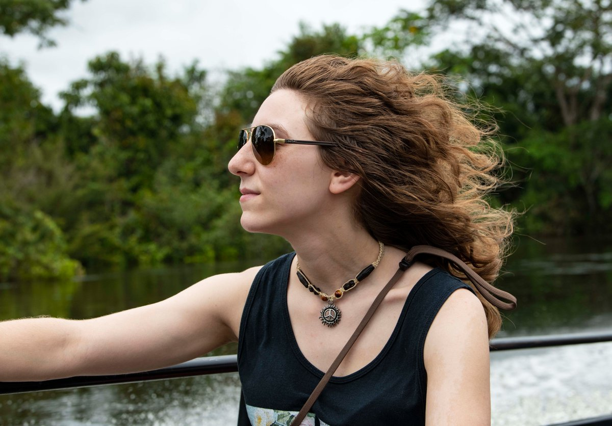 QT with a photo of you that somebody else has taken. Selfies are not allowed. It can be old or new but ideally one that really captures you. Blissed out cruising down the Tahuayo River after going to see the pink river dolphins. 📸 Sherri Fenton. twitter.com/mlstantial/sta…