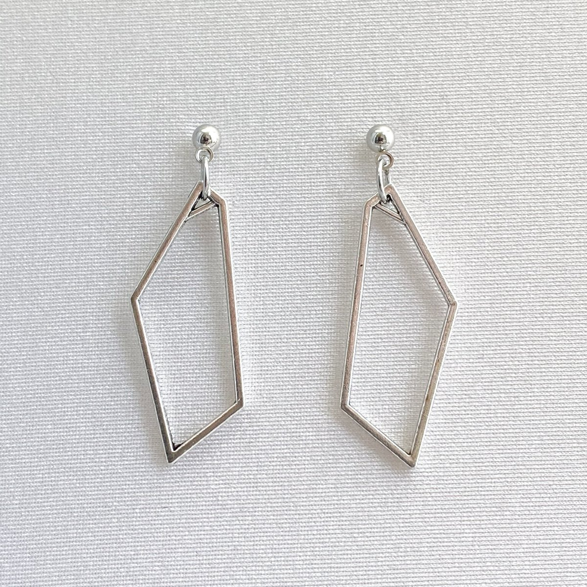 Open Polygon Earrings, Hollow Geometric Earrings, Silver Minimalist Earrings, Minimalist Jewelry, Silver Jewelry, Dangle Stud Earrings, S306 https://t.co/FZXJjX9l4I #FreeShipping #EtsyJewelry #Earrings #Handmade #GiftforHer #GeometricJewelry https://t.co/2cgHV1urvW