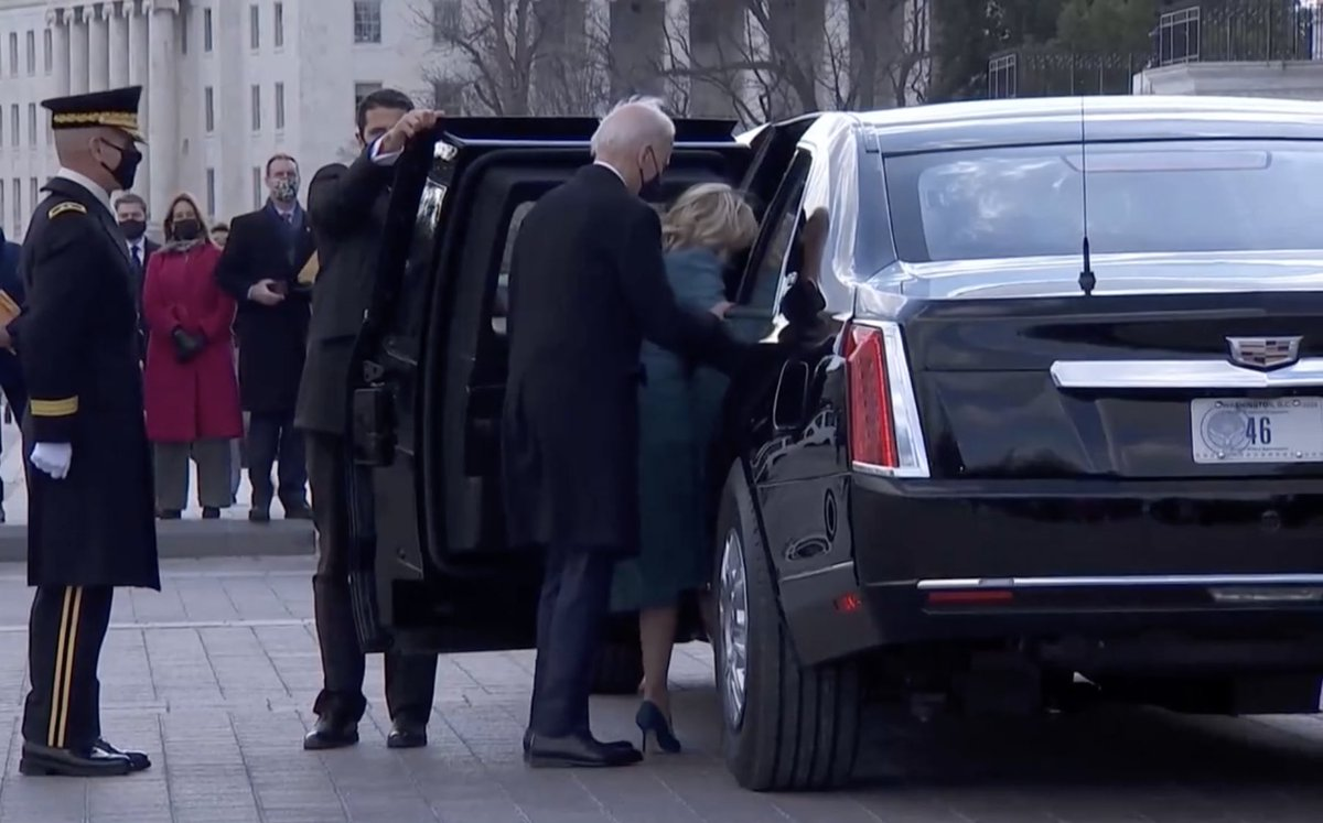 .@POTUS and @FLOTUS getting into car #46 - while @VP and @SecondGentleman get into car #49   Lovely touches for  #POTUS46 & #VP49   #Inauguration #Inauguration2021  #InaugurationDay