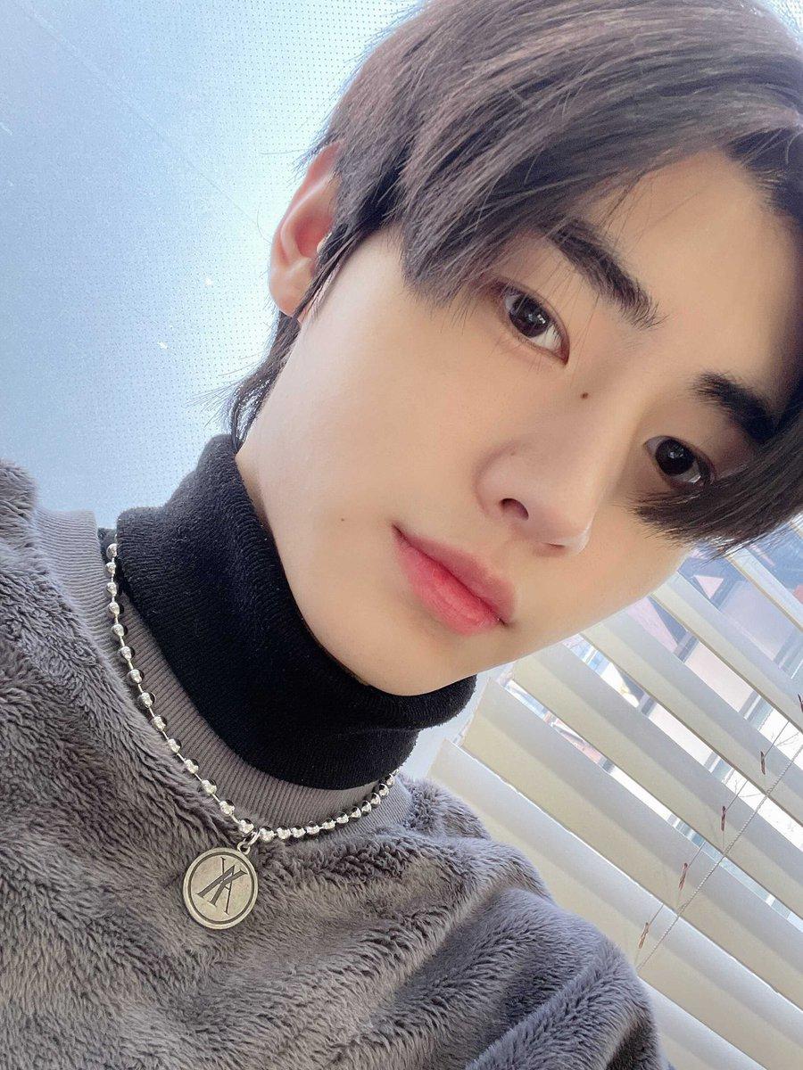 "[OFICIAL•210120] Actualización de #Sunghoon en el Twitter oficial de #ENHYPEN   ""Intenté copiarle a jungwon y usé ropa de oso suave y esponjosa""  Cr.@ENHYPEN_members  [Sunghoon chile]🐧  #ENHYPEN #ENHYPENCHILE #엔하이픈 #SUNGHOON #박성훈 #ENGENE"