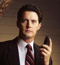 """Last month Jupiter & Saturn had a once-in-400yr conjunction   Agent Cooper foretold this….  """"Historically…when Jupiter & Saturn are conjunct, there are enormous shifts in power & fortune…a potential for explosive change: good & bad…due January to June""""  (Twin Peaks S2, Ep21 )"""