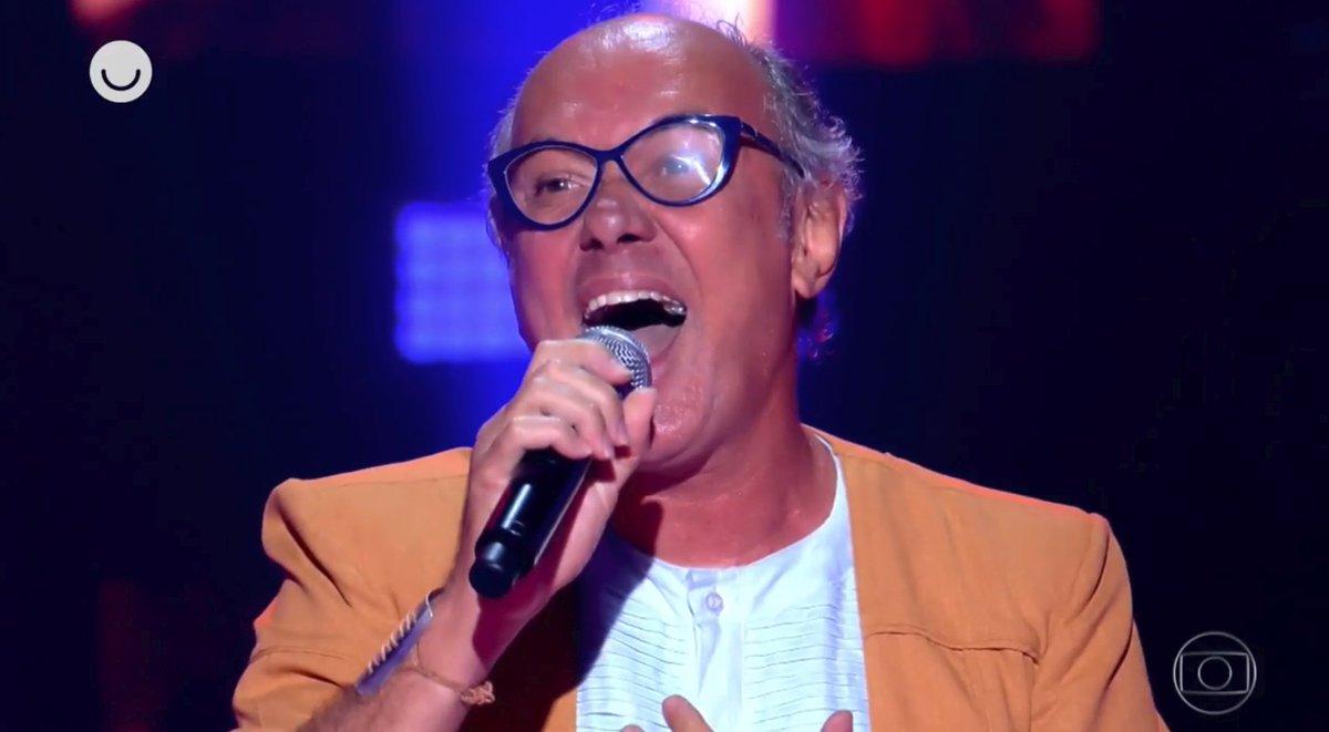 Geraldo Maia começou a cantar no banheiro, inspirado em Maria Bethânia 'Minha diva eterna' 👉 #TheVoiceMais