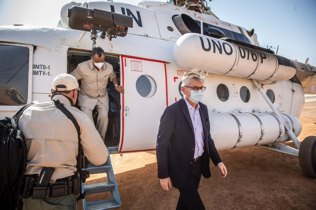 Depuis hier après-midi, Jean-Pierre @Lacroix_UN et Mahamat Saleh ANNADIF sont à #Tombouctou, dans le cadre de la visite officielle au Mali du Secrétaire général adjoint aux opérations de #paix de l'#ONU, entamée le 17 janvier dernier. @UNPeacekeeping #Mali 🇲🇱 #A4P