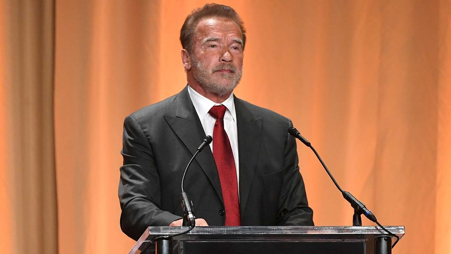 "Arnold Schwarzenegger receives COVID-19 vaccination: ""Come with me if you want to live"""