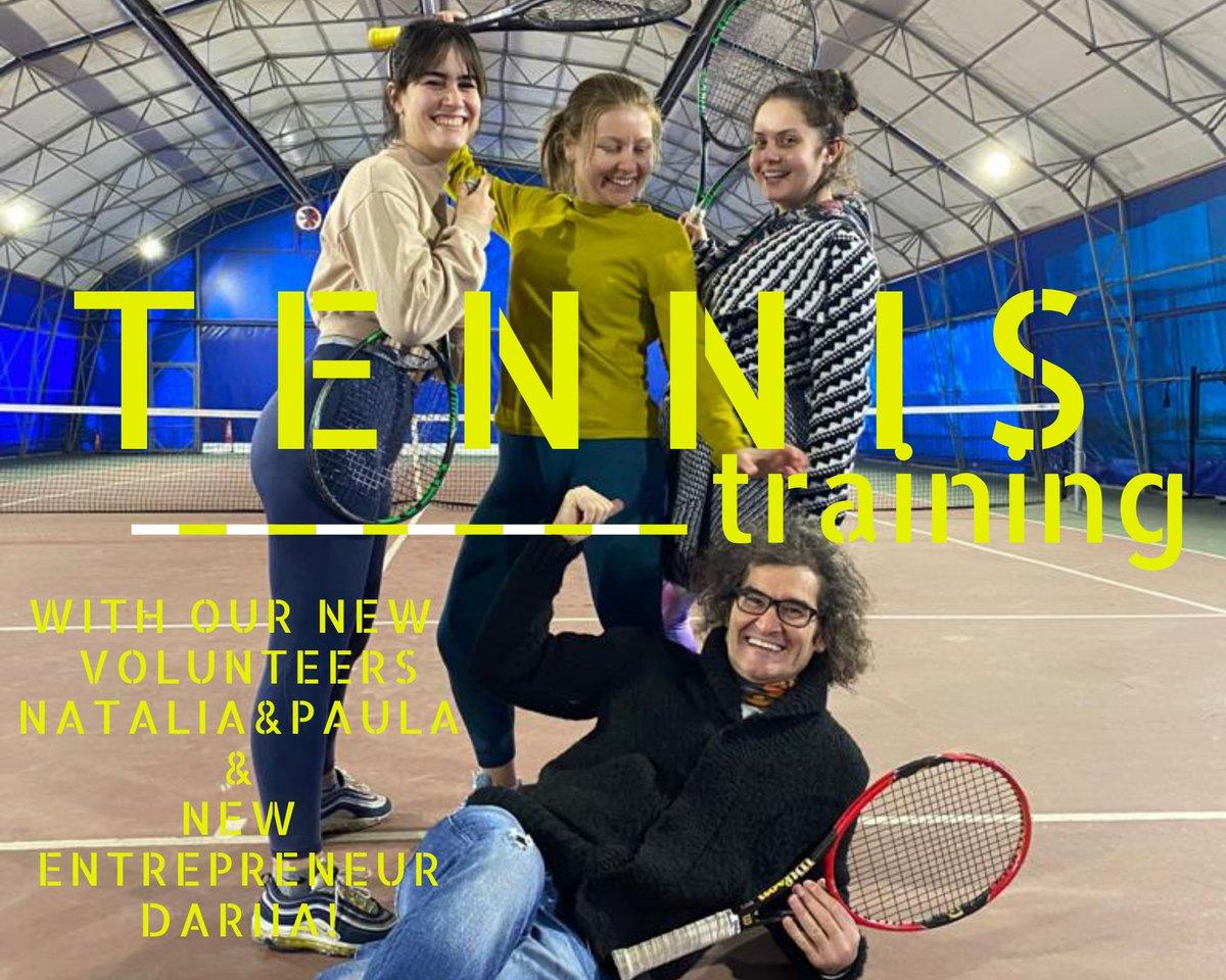 Tennis training with new volunteers Natlia @nati.wow and @ Paula and New Entrepreneur Dariia @dari_yastrub! #ulusalajans  #erasmusplus #staysafe #EU #Poland🇵🇱#Spain🇪🇸 #Ukraine 🇺🇦 #Turkey🇹🇷 #esc #coronavirus #sport #tennis #DigitalEU #FactsMatter #Coronavirus #COVID19 #BeActive