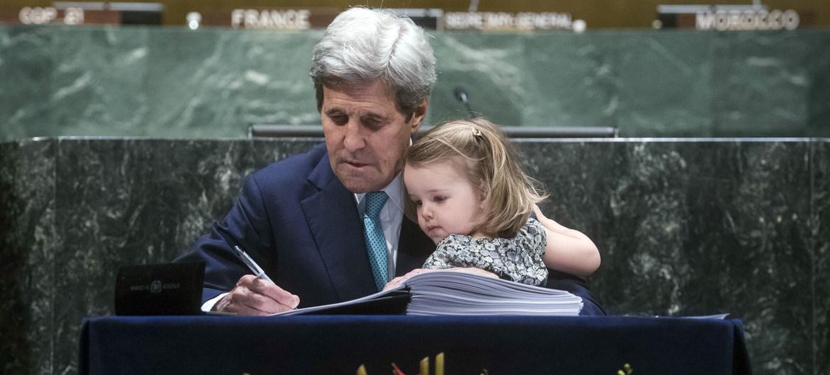 UN Secretary-General welcomes US return to Paris Agreement on #ClimateChange -  https://t.co/7sz19IsO8B  @climatemama @slackadjuster @ShelbyKStewart@RoxEK1954@sueboo69 @IloveFlorida001 @itstheflavoring @seemva1 @whyclimate @Persiflage77 @sunshinek67 @AndrewWinston @ReSista_Barb https://t.co/L063SUCjS4