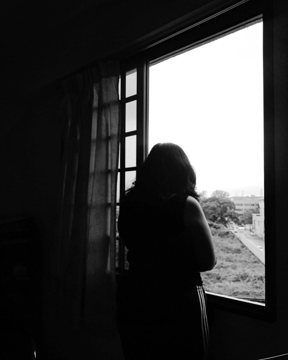 Be an empty minded just like that ...💬  #bnw #bnwphotography #picoftheday #island #islandlife #isolating #tbt #lightroom #instagram #instagood #instadaily #igers #igdaily #love #soul #life #body #peace #mindset #believe #happiness #inspiration #mentalhealth #kuttangraphy🕊️