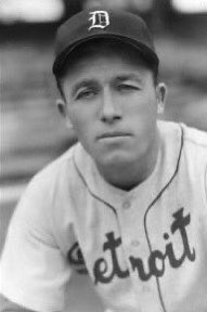 Jimmy Outlaw was born #OTD in 1913. He played four seasons in #Buffalo. Hit .309 with 14 home runs and 75 RBI for the 1940 #Bisons. Hit .268 in 10 major-league seasons.