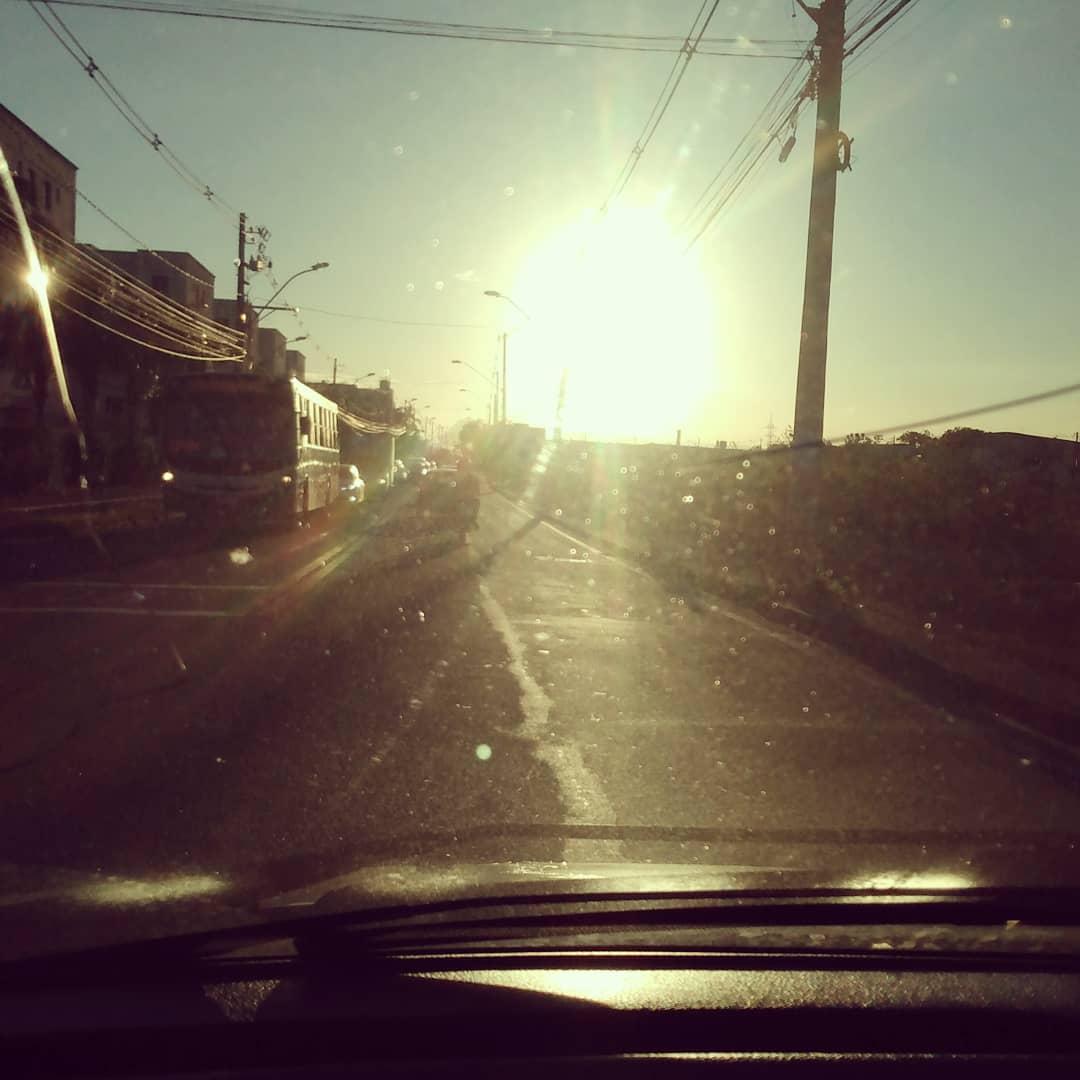 Que solzinho lindo.  #jeffmenon #Influencer #happy #sunshine #sol #love #instagood #SerraES #mestrealvaro #instacool #capixaba #followme #follow #foto #fotografiadecelular #fotografia