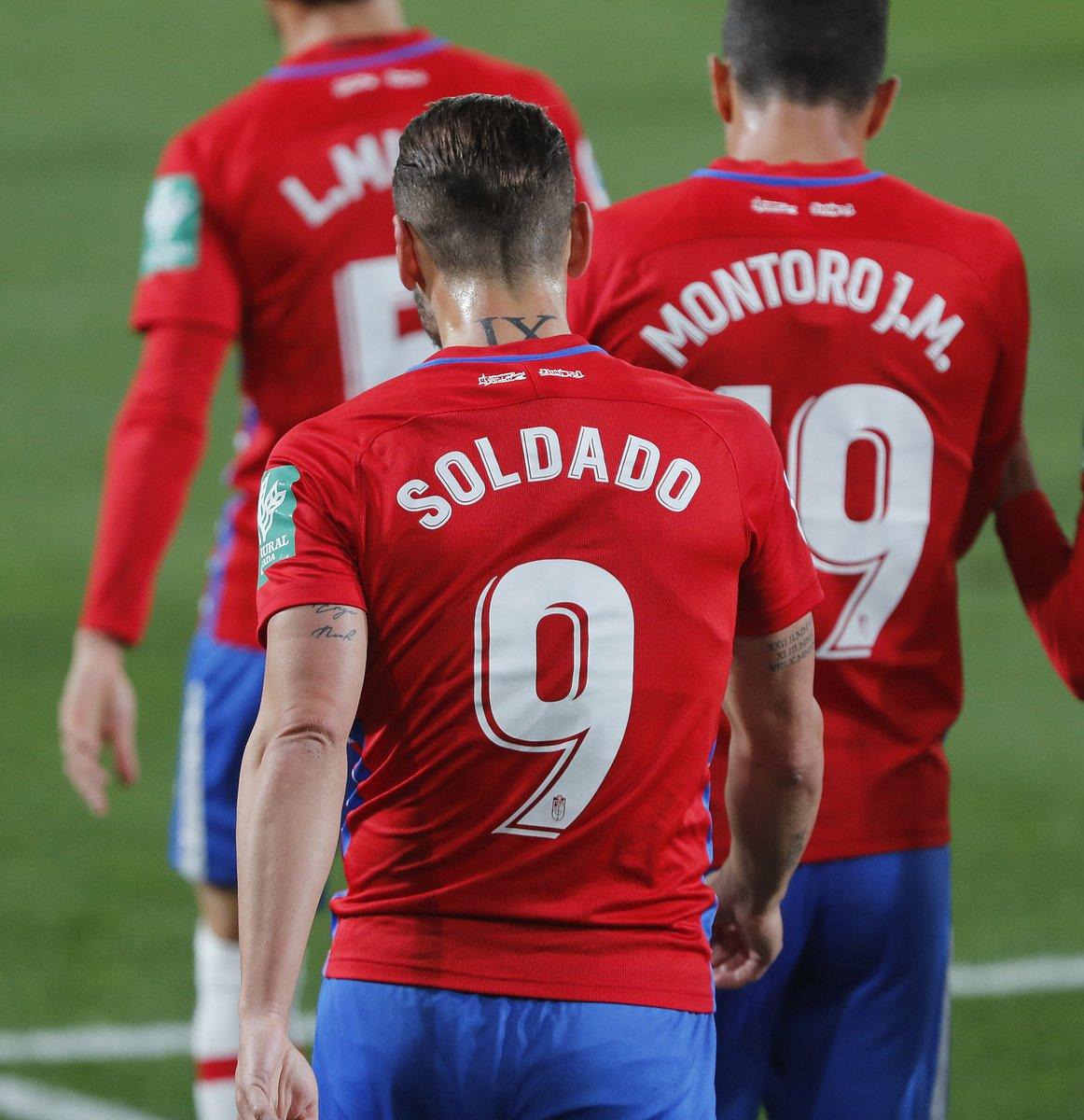 ⚽ Cuatro goles en #LaLigaSantander.   Un 9⃣ de corazón, @R9Soldado.   #VillarrealGranada  #HayQueVivirla
