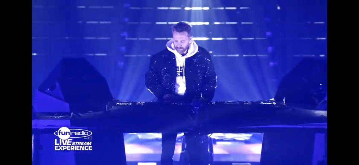 David Guetta live @ Fun Radio Live Stream Experience  via @YouTube @davidguetta 💎💎🚀🚀