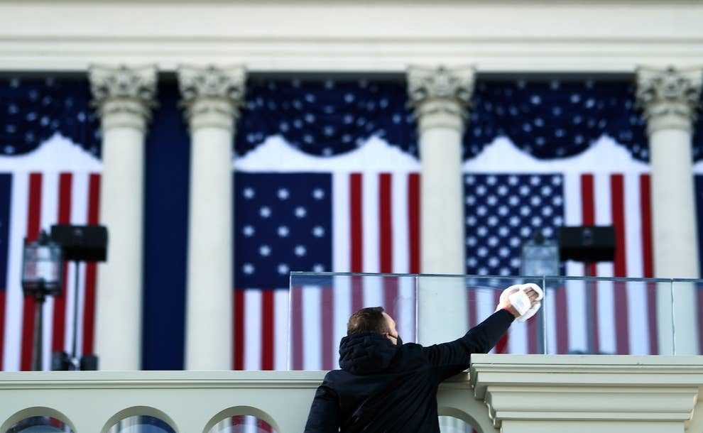 Look they had out going Senator Teddy Cruz cleaning windows at POTUS  Biden's inauguration.  See how quickly that loyalty last........... image by Getty News. #Innauguration2021 #TedCruzIsTheTypeOfGuyWho #SeditionHasConsequences #POTUS46 #tedcruz