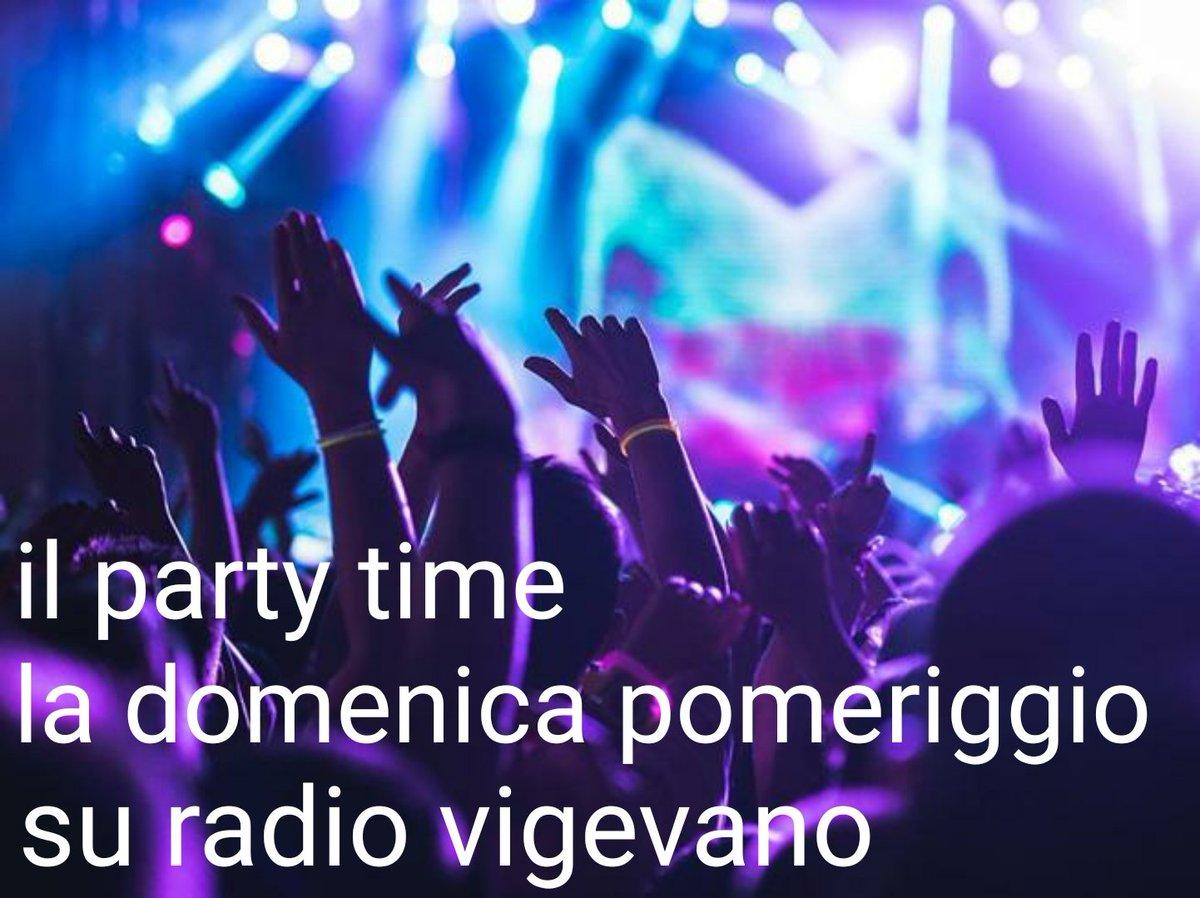 #instadj #radio #webradio #weekend #vocalist #dj #eventi #fans #vigevano #rv #radiovigevano #musica #onair #programmiradio #trance #djset #partytime #dance #speaker #house #solobellamusica #instadjs #followme #followmypage #prada #prada365 #pradaboy #petreon