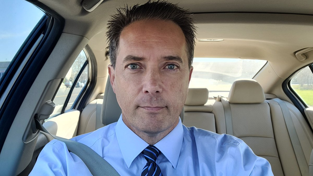 Red light selfie... blue sky, blue shirt, blue tie, blue/green eye guy...  #California #Chico #Redding #RedBluff #Oroville #Paradise #NorthValley #NorCal #sun #redlight #blue #sky #tie #shirt #green #eyes #Wednesday #weather