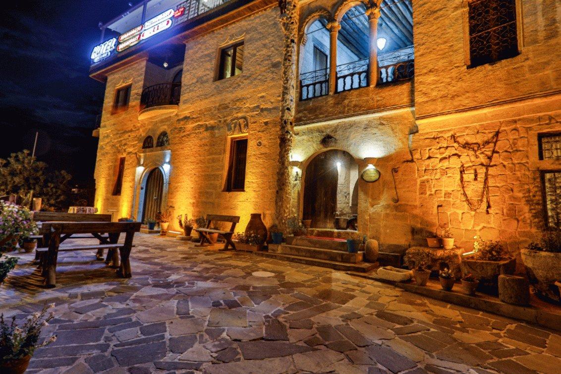 #ürgüp #istanbul #nevşehir #cappadocia #Kapadokya #cavekonak #UFO #alien #azaja #TrumpsLastDay #adam #çift #lockdown2021 #lgbtqforcorpse #yuwin #DonaldTrump #jiminyouareperfect #feminist #dişi #man #erkek #masculine #หวานใจมิวกลัฟ #กาตุ่ยวินกินไส้กรอกซีพี