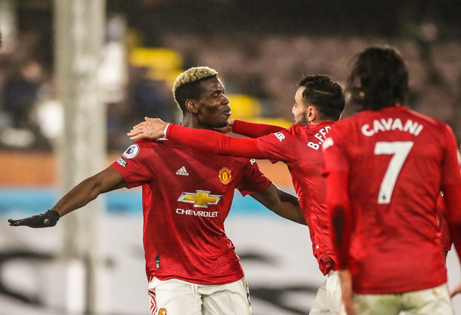 FT: Fulham 1-2 Man Utd  ⚽ Lookman ⚽ Cavani ⚽ Pogba   Manchester United back to the top of the table. #FULMUN