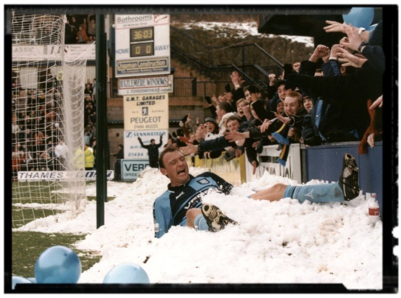 Is there a chance of snow on Monday for #FACup tie #wycombe 🆚 #thfc 4th round memories...