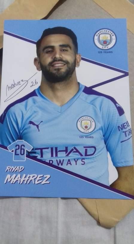 Thanks @Mahrez22 💚 I received your photo. The next is the #Qatar2022 🎯  #mahrez  #MCIAVL #FACup #eflcup #premiereleague