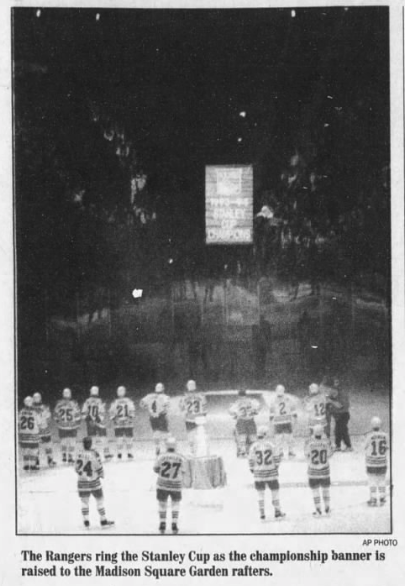 #OTD in 1995 the 103 day lockout is finally over as the Buffalo Sabres begin their season by watching the New York Rangers hoist the Stanley Cup banner to the rafters. Donald Audette's goal at 5:25 of the third proved to be the difference in the Sabres 2-1 win. https://t.co/cTQDRt1FYo