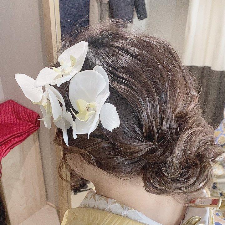 昨日は、前撮りでした⸜( ´ ꒳ ` )⸝ データまだ貰えないけど、自分で作った前撮り用の小物がめちゃくちゃ可愛くて、好評でみんなも使ってほしい!!って思ったから、今度紹介する❣️  そして、髪の毛もめっちゃ可愛くしてもらった🥰  #wedding #weddinghair