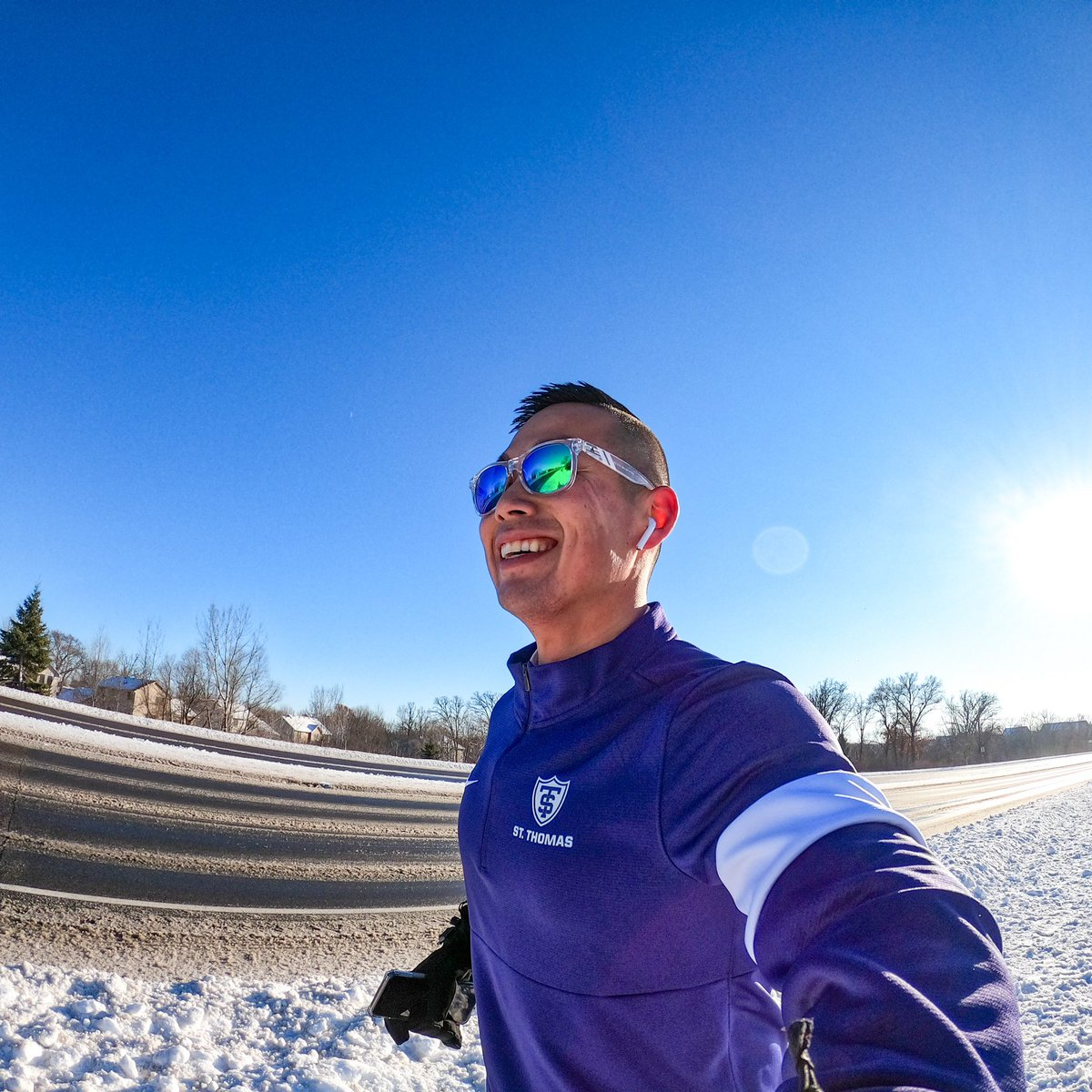 Taking in some vitamin D the best way I know how! #runtheyear #sunshine #happiness https://t.co/uzT2OyS2sp