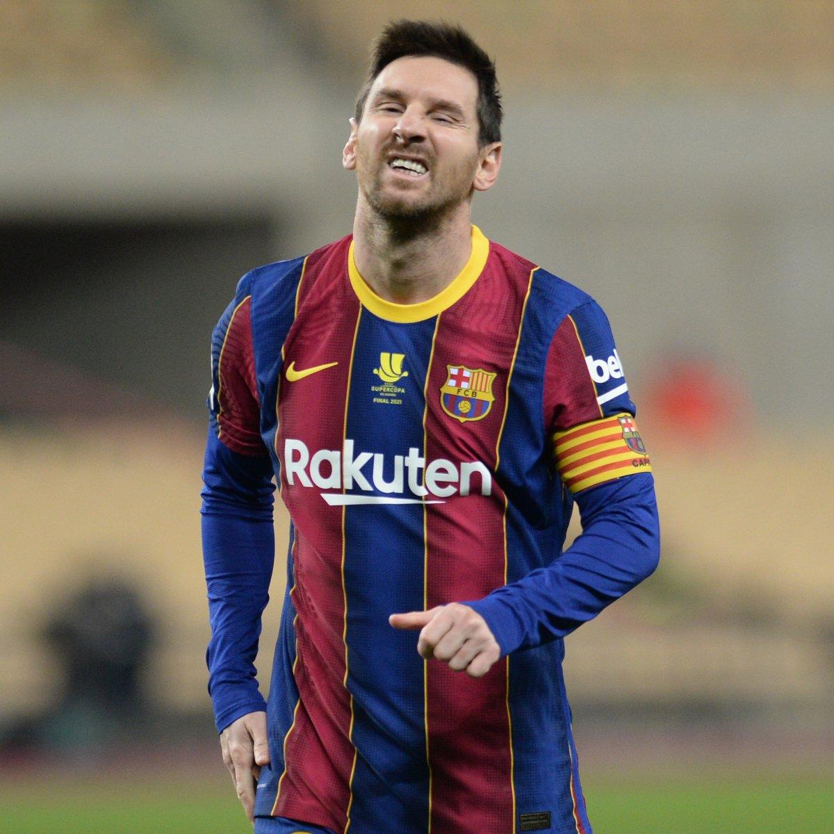 كأس السوبر الإسباني: برشلونة يخسر + ميسي يُطرد 🙃  كأس السوبر الإيطالي: يوفنتوس ينتصر + رونالدو يسجل 🏆  أسبوع يخلص عام الدون وعام ليو 🐐 https://t.co/bR1vShdh9R