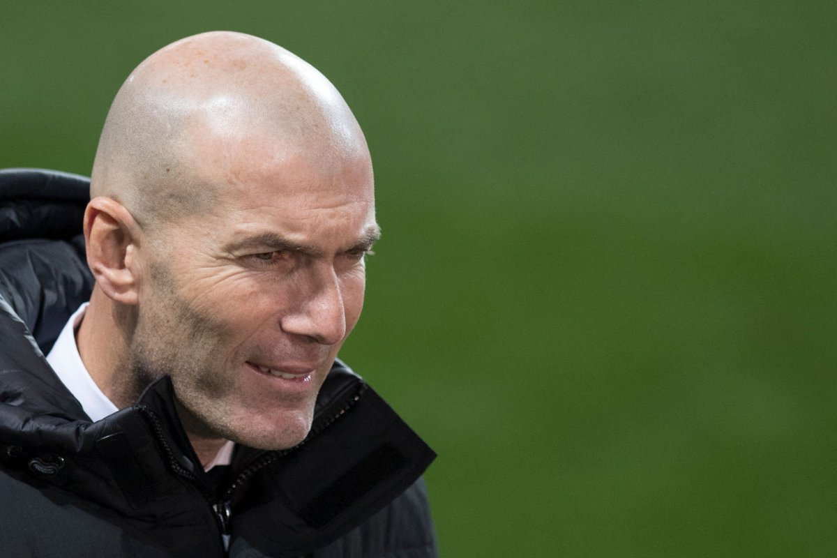 """🎙️ Zidane: """"We tried, the players gave their all on the field, It is a difficult and painful time. I am responsible because I'm the coach.""""  🏆 #CopaDelRey  ⚪️ #HalaMadrid  #RM4A"""