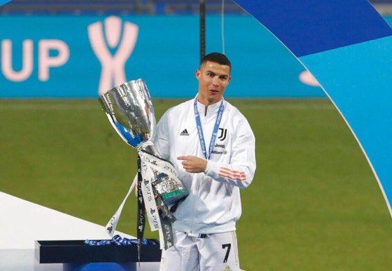 الاسطورة كريستيانو رونالدو منذ بلوغ سن الـ(30)  (3) دوري أبطــــال أوروبا (2) كأس العالم للأنـــدية (2) الدوري الإيطـــــــالي (1) الدوري الإسبـــــــاني (1) كأس السوبر الاسباني (2) كأس السوبر الإيطالي (1) كأس أمم أوروبا (يورو) (1) دوري الأمم الأوروبـية (1) كأس السـوبر الأوروبي https://t.co/g9rhG0GEP7