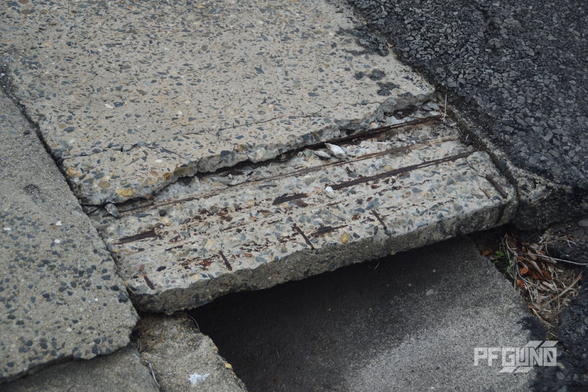 Layer Off COPYRIGHT 2020 PFGUN0 A layer of concrete that came off for some time showing the metal rode underneath.  #pfgun0 #photography #photograph #photo #structure #concrete #layer #rodes #rode #写真 #構造 #コンクリート #レイヤー #ロッド #乗った https://t.co/ufsDax2YAl