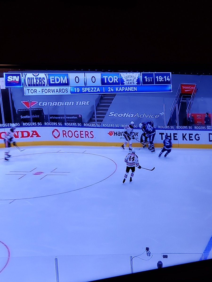 Did I miss something!?!? ...I could've sworn i just watched Kapanen play for the #LetsGoPens last night but apparently he's playing for the #LeafsForever tonight!?!? Haha #HockeyTwitter