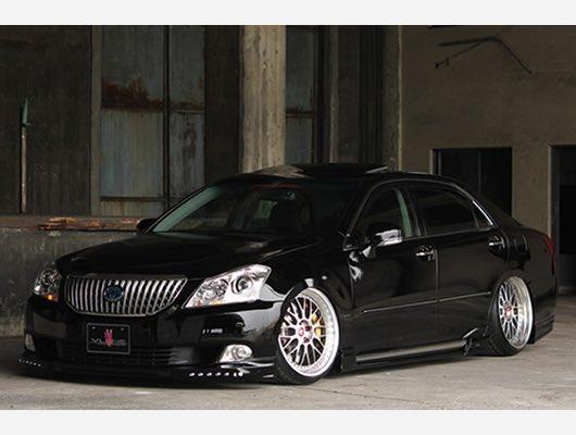 RT @M_25391_8: 20マジェスタが欲しい、 黒でサンルーフ付きでフルスモにしたい #みんな欲しい車の画像貼ろうぜ...