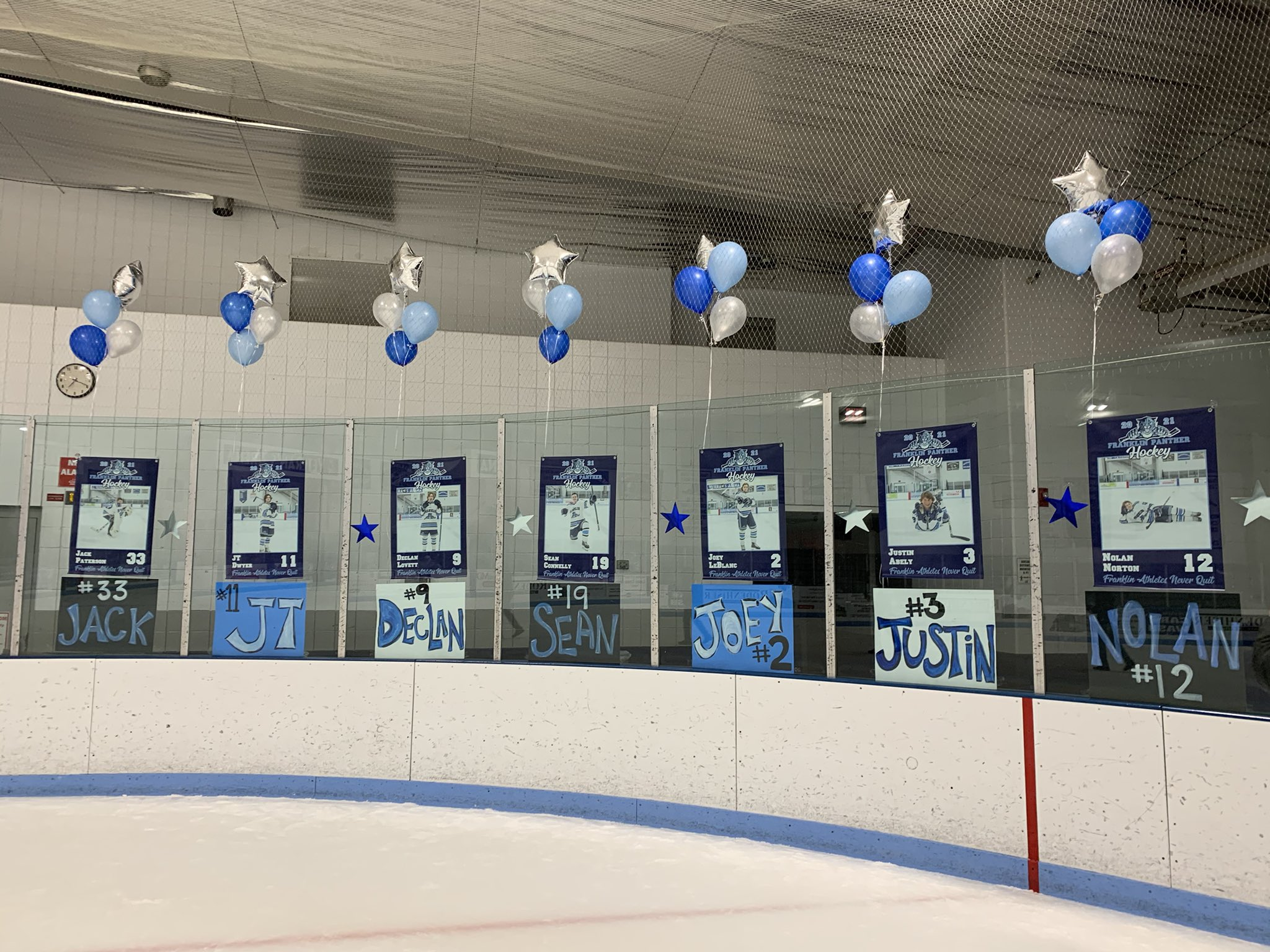 Senior Night!  Congratulations to all our seniors and their families. @FHSSports  @PanthersJvPuck