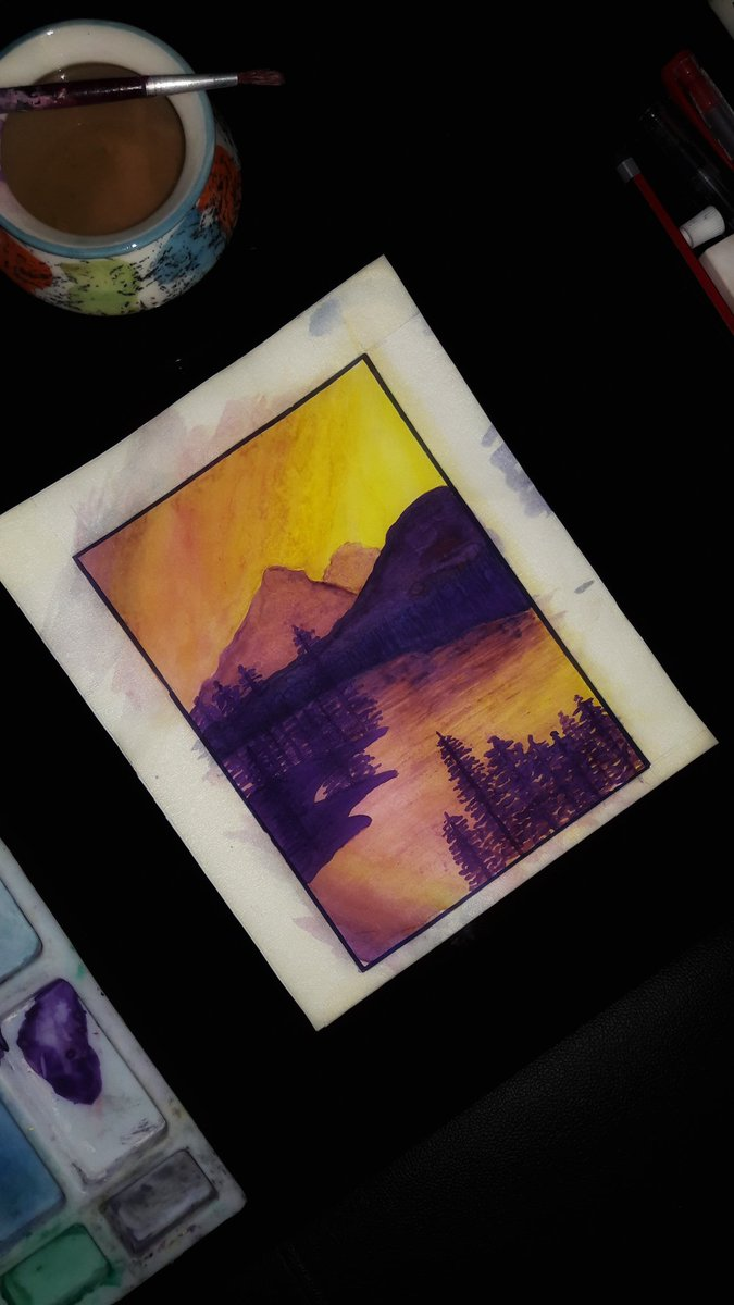 I got something what actually i was looking for,a portrait of fantastic purple #sunset .Though i had to face a little mess with my old color & single paint🖌😁Thanks a lot @noellecurtisart 😊 #Watercolourpainting #portraitpainting #art #ArtistOnTwitter #painting #mountain #River
