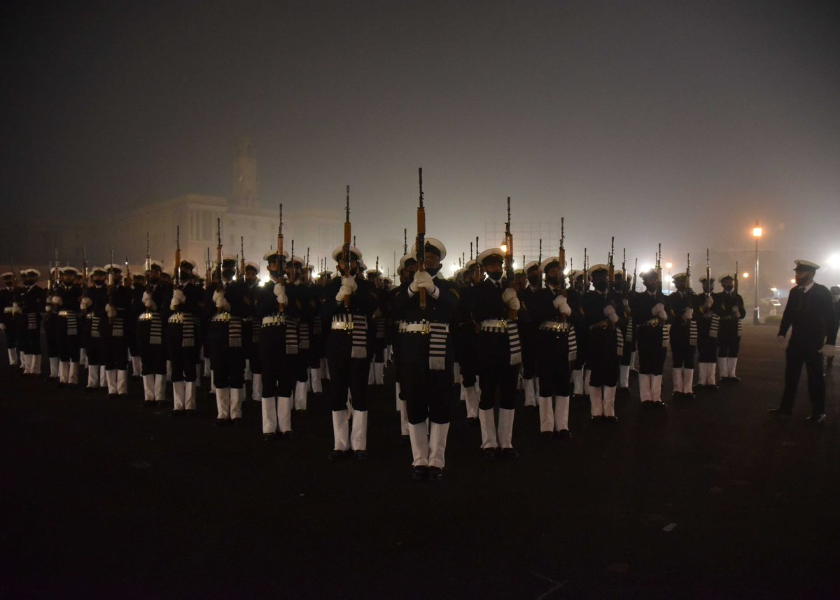These photographs taken on January 20, 2021 #Soldiers take part in the #Rehearsal for the Republic Day Parade 2021 at Vijay Chowk in New Delhi  @Rahulphoto_  #India #Delhi #RepublicDay2021 #RepublicDayParade #PhotoOfTheDay #thursdaymorning