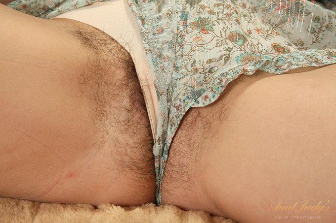 2 pic.  GOT BUSH? .. Cherise   Sexy 43yo Amateur PNW MILF Cherise. Another FullBUSH masterpiece by
