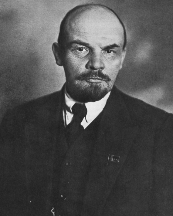 21 Jan 1924 -Vladimir Lenin, Russian revolutionary, politician and founder of the Russian Communist Party, dies of a stroke at Gorki Leninskiye, Russia. His body would be preserved and put on public display where it remains 97 years later. #OTD #History #Lenin #Russia