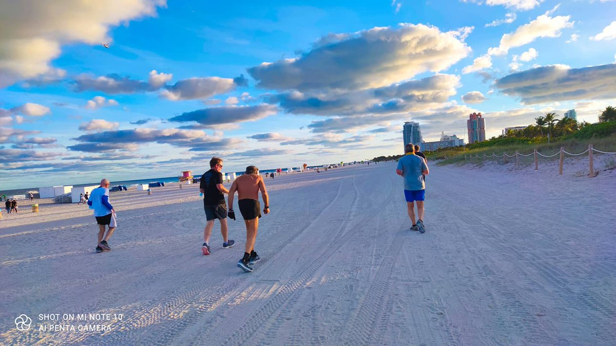 Had the most amazing evening run!! 8+miles with the legend (Robert Raven Kraft) #photo #photooftheday #selfie #sunset  #Fitness2021 #fit #running #Trending #exercise #workout #stayfit #clouds