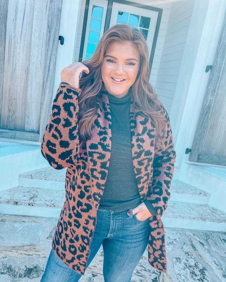 I had to share this leopard sweater with you all! I just noticed it is on SALE for $13!!! 😱  #sweaterweather #winterlook #winter #winterstyle #winterfashion #leopardprint #sweater #fashion #style #love #onsale #fashiondeal #fashionfind